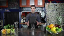 Cocktail Method: Shaking vs Stirring