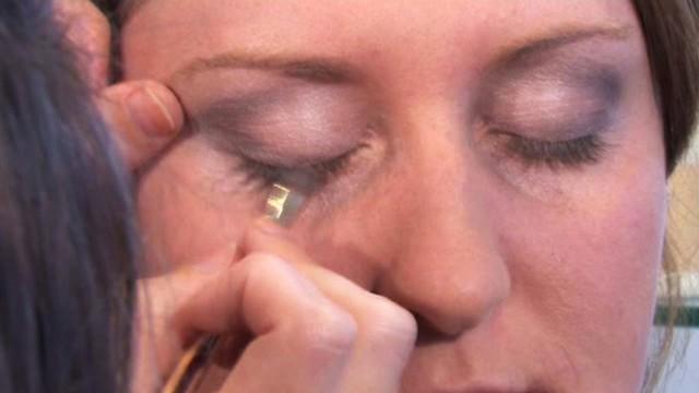 Applying Make-Up - Basic Skills